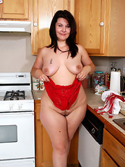 Chubby gallery hose in pantie woman
